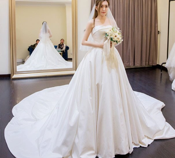 *全新~台中sasa婚紗禮服~V字腰緞面拖尾設計婚紗 白紗~