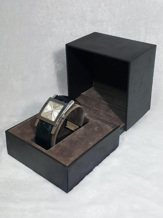 *旺角名店* ㊣ Gucci 銀色方框 石英錶 中性款 男錶