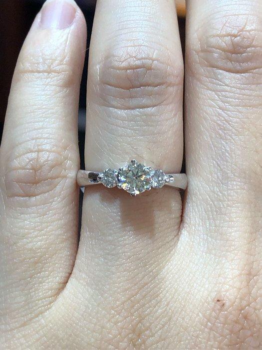 總重70分天然鑽石戒指,主鑽50分八心八箭完美車工,年終出清46800,厚金手工戒台,氣質高雅款式