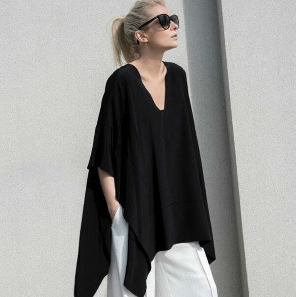 短袖T恤 個性V領不規則T恤  大尺碼顯瘦女裝 蝙蝠袖上衣 —莎芭