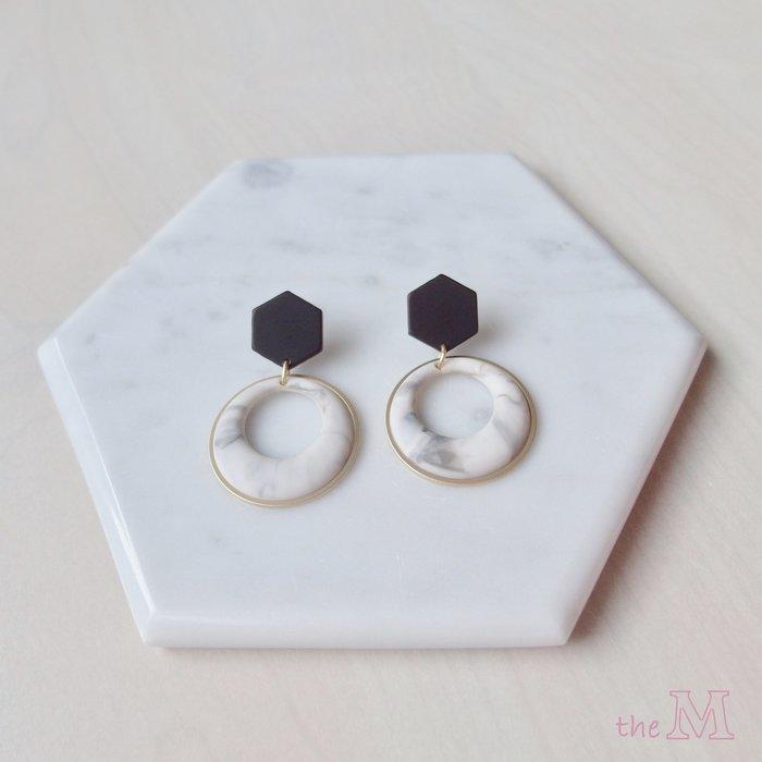 The M 正韓 大理石紋系列-霧面 大理石紋 圈圈耳環-兩色-抗過敏 鋼針