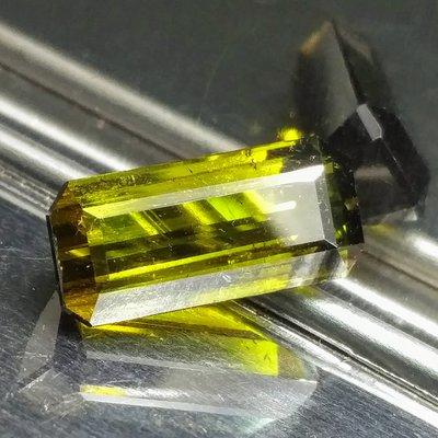 天然無處理黃綠碧璽 Yellowish Green Tourmaline 祖母綠式切面裸石7.01克拉