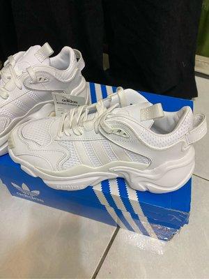 全新台灣公司貨ADIDAS愛迪達ADIDAS Original三葉草白色MAGMUR休閒老爹鞋運動休閒女鞋EE4815
