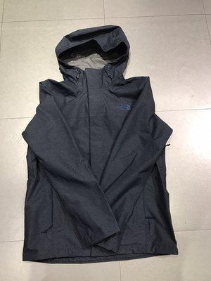 三葉草之家 The North Face 男款深藍防水防風可打包薄款衝鋒衣 NF0A2XTBMLF
