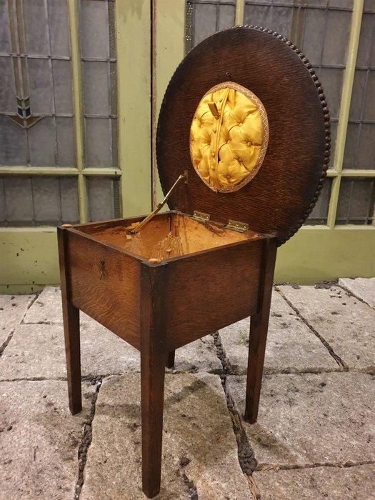 【卡卡頌 歐洲古董】特殊  英國老件 可上掀 花邊雕刻  縫紉盒  儲物  雕刻 小桌ct0090 ✬