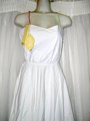 @ ╮全面淨空大特賣╭@三百零一元亂亂標~~~白色美背氣質時尚禮服