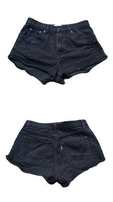 都會名牌~【Someway Woman】黑色破損風休閒短褲~