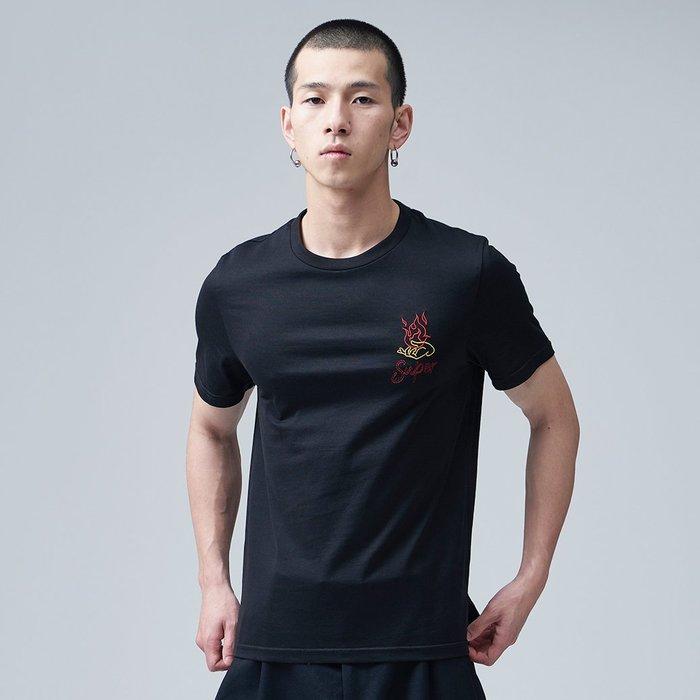 【OTOKO Men's Boutique】固制:刺繡圖案純棉圓領短袖/黑色(台灣獨家代理)