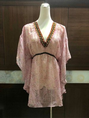 【精品特價】Shelter Q 雪紡紗 浪漫粉紅花卉短袖上衣。約9成新,衣況佳。【浪漫晴天】