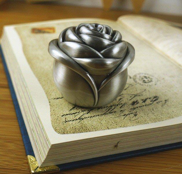 ~ 速寄~ 古典 雕花鋅合金 小號玫瑰花苞首飾盒 求婚戒指盒 ~ CJAH00200