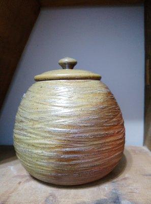 (00519)手拉坯柴燒茶倉