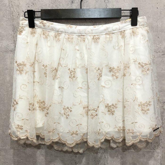 Maple麋鹿小舖 Abercrombie&Fitch * AF 金黃色電繡蕾絲短裙* ( 現貨M號 )