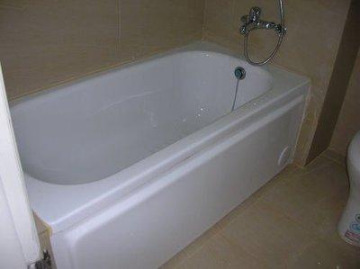 東城浴室整修.浴缸拆除換裝、改造、翻修 高亮度壓克力浴缸 自取優惠價