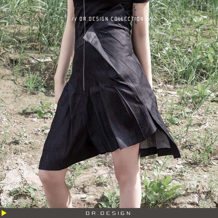 出清大特價580元►DR.DESIGN│現貨LX1-暗黑小眾 獨特 不規則褲頭 結構 薄牛仔 單寧 百摺短裙