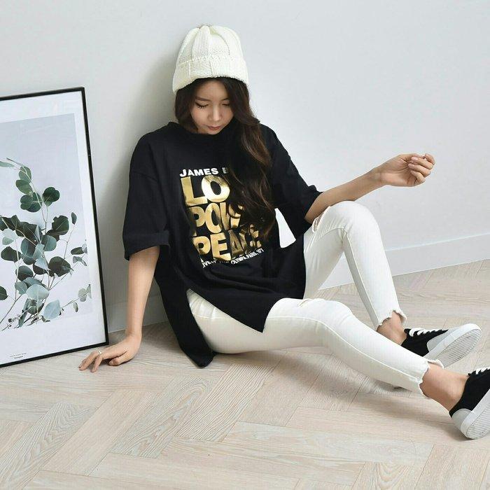 現貨 正韓 短T 韓國製 個性燙金字母開叉短TEE 短袖上衣 短袖T恤 (1643768)【ORNA爾瑞菈服飾館】