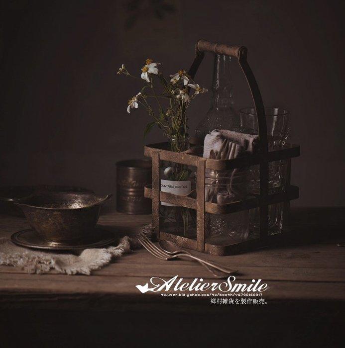 [ Atelier Smile ]  鄉村雜貨 日本直送 復古作舊 木手把 鐵收納盤 鐵籃 啤酒籃 拍照道具 ins