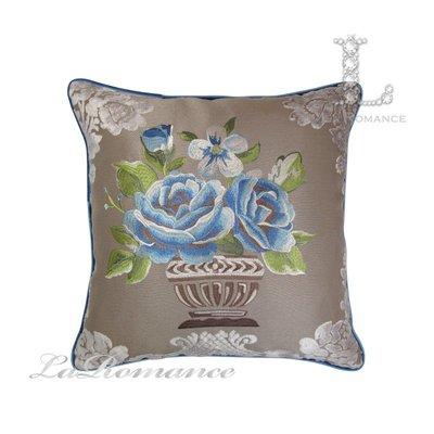 【芮洛蔓 La Romance】古典風情系列藍玫瑰立體繡花抱枕  / 靠枕 / 靠墊 / 方枕