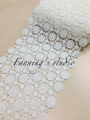【芬妮卡Fanning服飾材料工坊】寬版蕾絲推薦款 漫天星星小雛菊刺繡蕾絲 高13cm 1碼入