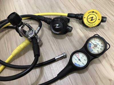 AQUA LUNG CALYPSO 水精靈 調節器組 AQUA LUNG 三用錶 9成新 潛水調節器 一年保固