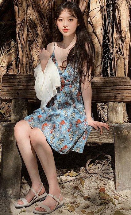 【2A Two】首爾🍹渡假風⌒小碎花吊帶連身裙+外搭排釦外套 兩件式『BA0437』