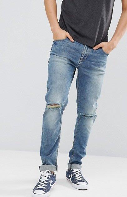 ◎美國代買◎ASOS雙膝刷破帶白刷色褲管設計反摺褲口英倫時尚頹廢街風刷破刷色牛仔褲~歐美街風~大尺碼~