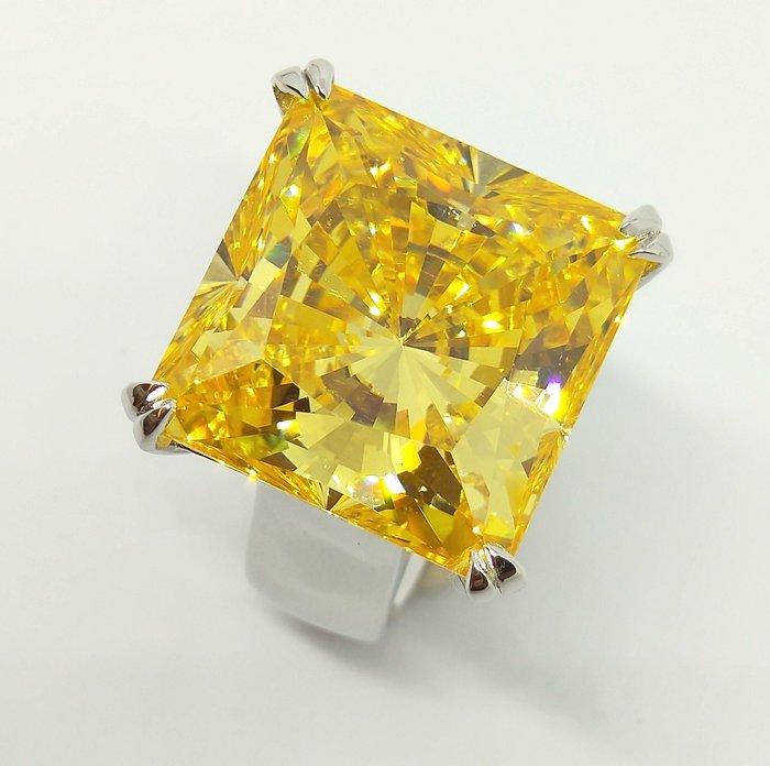 黃彩鑽25克拉鑽石戒指顏色濃黃鵝黃高檔豪華珠寶純銀925銀厚鍍鉑金男女適用款戒指 歐美明星同款仿真鑽石特價優惠 莫桑鑽寶
