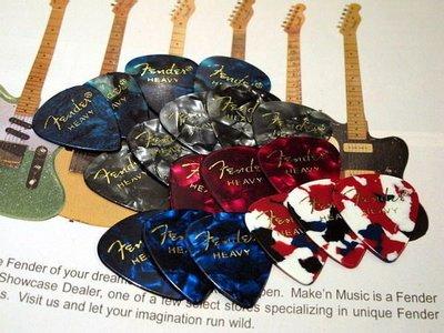 ☆ 唐尼樂器︵☆全新 Fender 最經典款燙金字木吉他/民謠吉他/電吉他/電貝斯 Bass 用 PICK 彈片