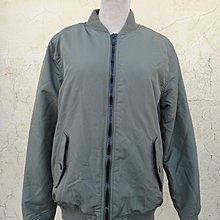 jacob00765100 ~ 正品 H&M 軍綠色 鋪棉 飛行夾克/外套 size: S