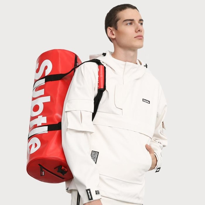 潮牌Subtle VOYAGE旅行包可肩背.手提.斜揹多用途 30L超大容量短天數旅行 堅靭耐健身男女郎 瑜珈墊可放