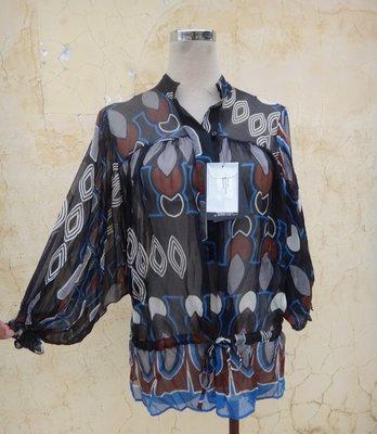 jacob00765100 ~ 全新 正品 英國名設計師 TED BAKER 蠶絲美衣 size: 1