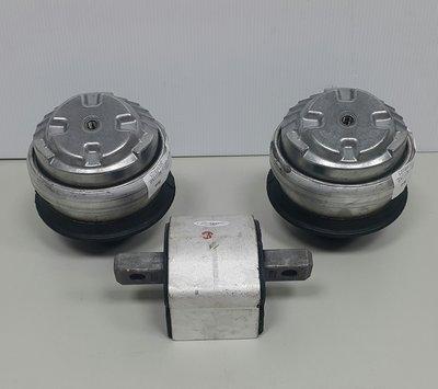 C203 M111  M111 ML 00-02 德製引擎腳x2+原廠5檔變速箱腳x1 (套餐組) 2302400117