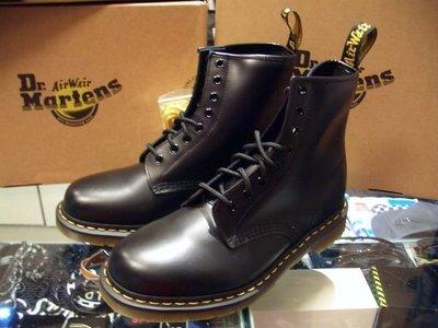 Dr. Martens 經典鞋款 1460原創8孔中筒靴  黑皮格黃線膠底 UK5 (US6)