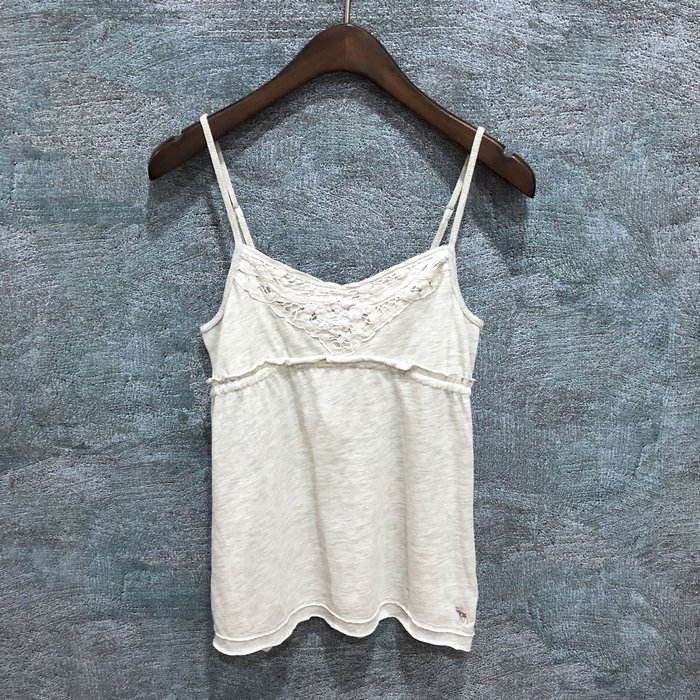 Maple麋鹿小舖 abercrombie&fitch * a&f 女童款淺灰細肩帶上衣 * ( 現貨XL號 )