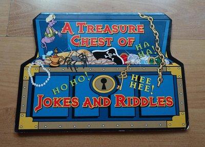 英文童書-- A Treasure Chest Of Jokes And Riddles --***愛麗絲夢遊***