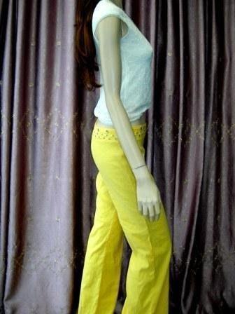 ※原價$20300※全新【Blumarine】 粉嫩黃搖滾卯丁空扣裝飾激瘦低腰直筒褲