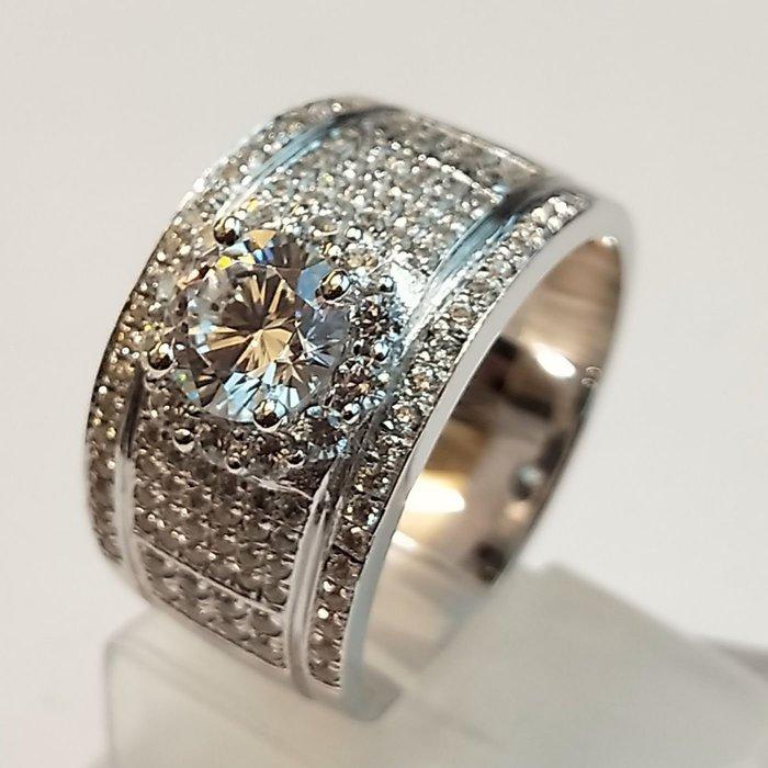 主鑽1克拉圍一圈小鑽擴大鑽石滿天星925純銀鍍鉑金指環 鑲嵌高碳鑽男女同款戒指鑽戒高碳莫桑鑽鑽石  FOREVER鑽寶