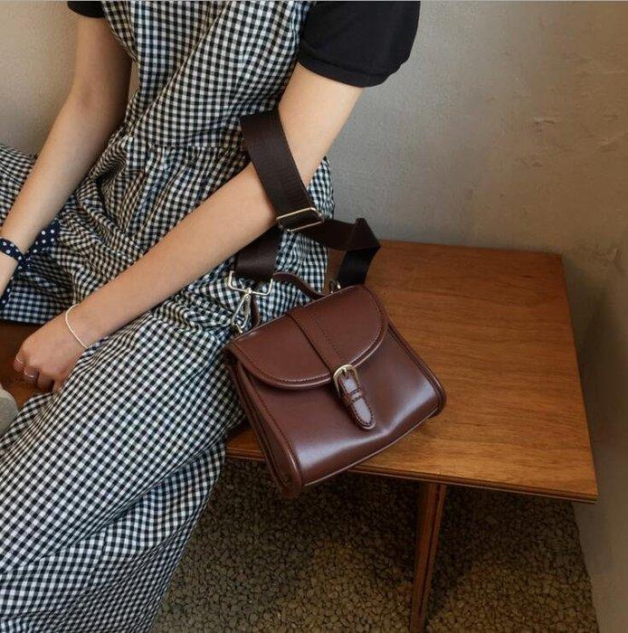 FINDSENSE X 新款女包 小復古百搭郵差包翻蓋斜掛單肩手提包 手拎包