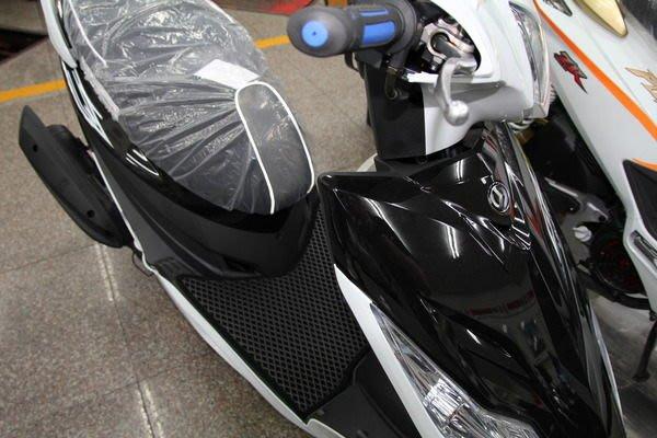 MILK71322高品質目光單層機車腳踏墊精品-GR款(單層踏墊需購買3片以上才面交)