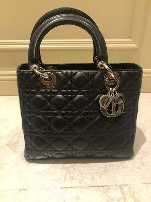 Lady Dior 經典黑配銀吊飾羊皮黛妃包(二手)