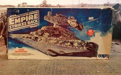 絕版 1/14222 MPC ERTL The Empire Strikes Back Star Destroyer 15 inches long- 1989