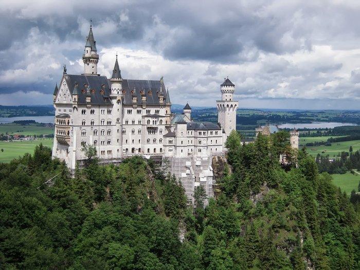全新德國購回新天鵝堡投幣機旅遊紀念金色圓幣雙面圖細緻立體凹凸城堡造型德文標記 Deutschland Germany