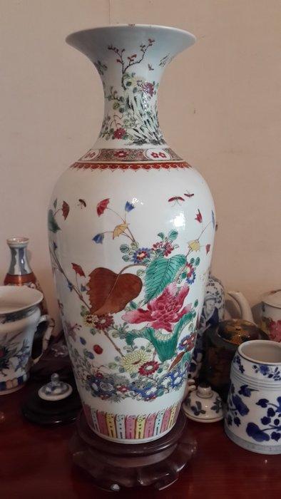 清代  花卉紋 粉彩大瓶