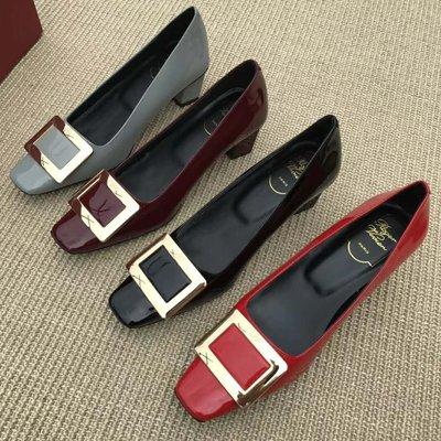Hot shop 優雅質感 RV牛漆皮方頭金屬方扣中跟粗跟女單鞋 工作鞋 婚鞋4色 35-39碼