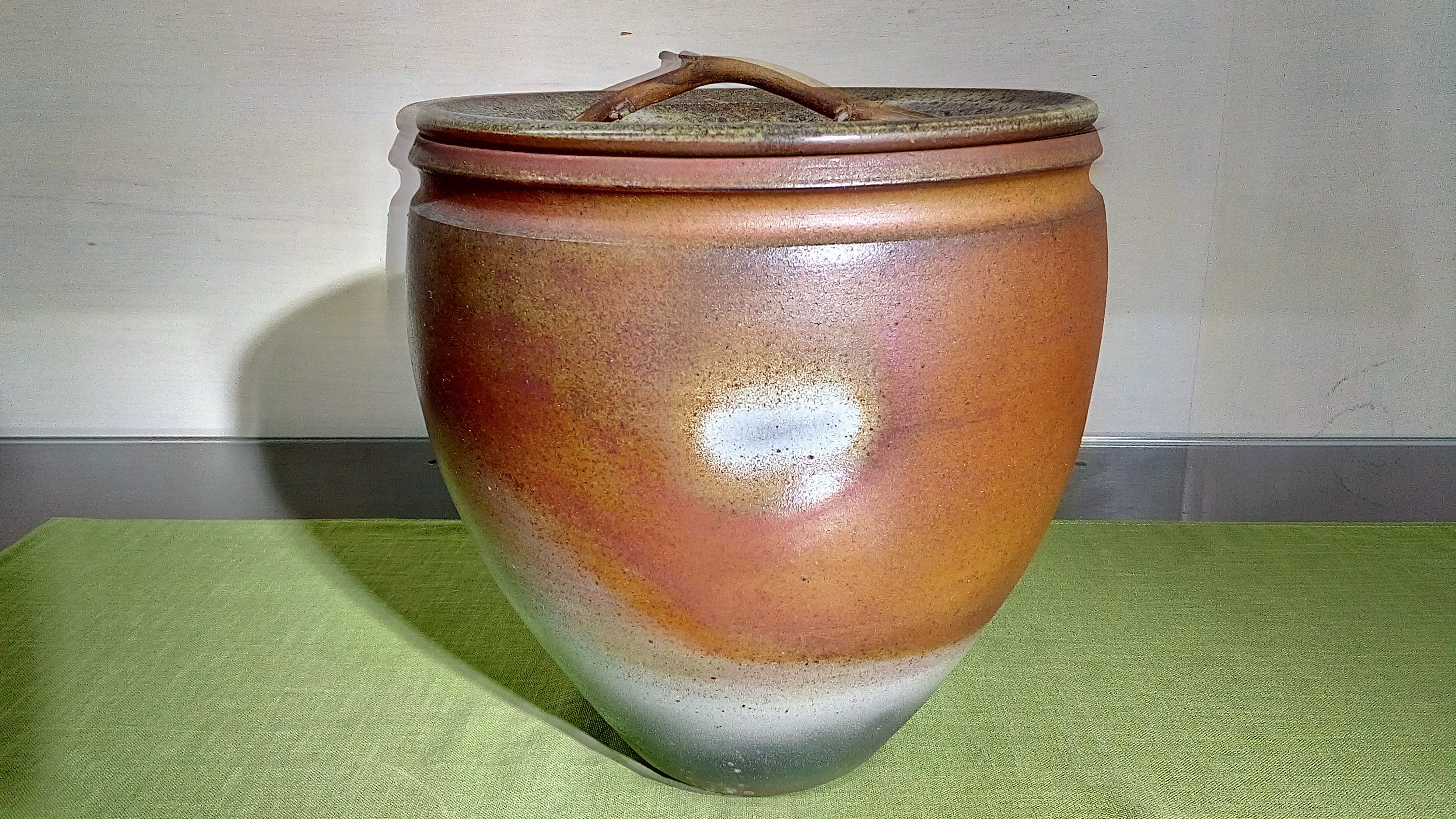 (店舖不續租清倉大拍)賣簡銘炤先生--柴燒大茶倉,原價38000元特賣價19000元