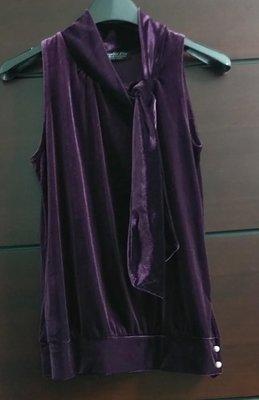 (春夏出清)日本品牌 La Chambre dine 精緻細絨紫羅蘭色女衫/上衣。珍珠釦削肩領繫帶綁帶,尺寸38碼,有彈性無內裡 MsGracy Chanel