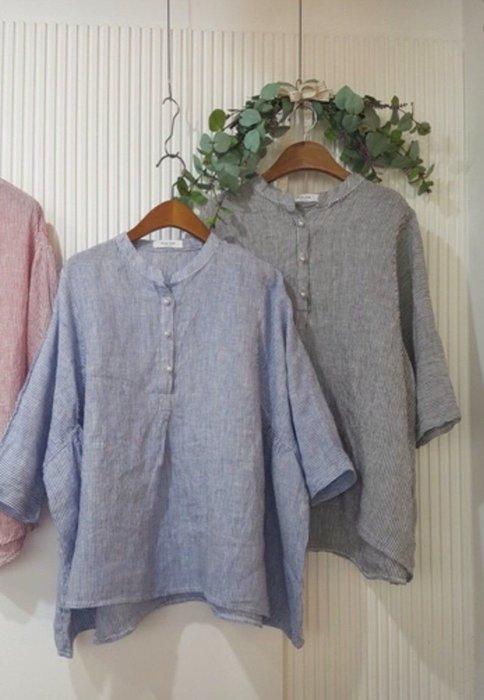 蘋果樹 韓國服飾~半開釦細條紋五分袖麻衫