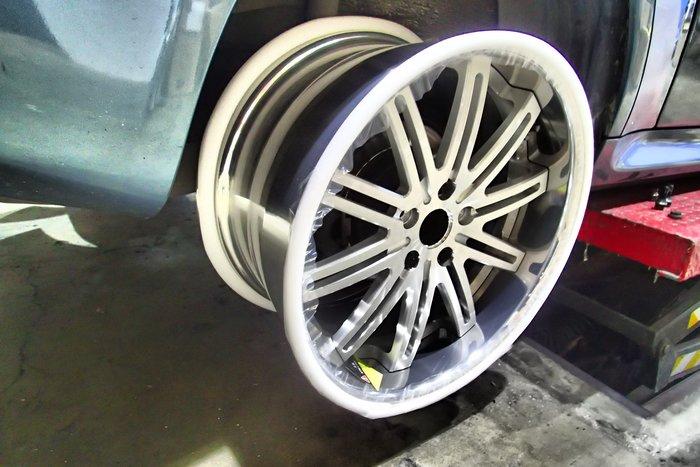 DJD19041009 BMW Z3 20吋 鋁圈 130000起 依當月報價為準