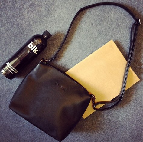 【Miss 小Q】簡約 立體小方包 圓筒包  方包 手拿包 側背包  女 小包包 ZNIF KS