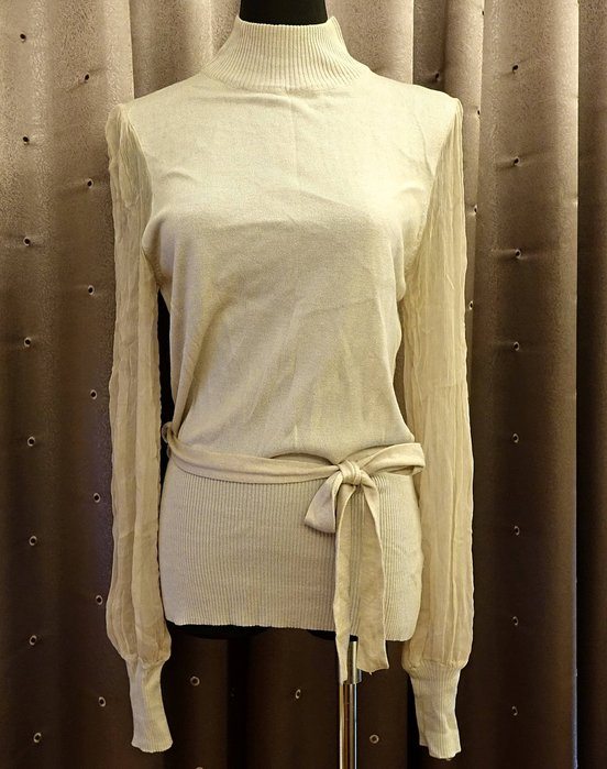 近全新英國名牌英國製 Nougat London 淺藕色混絲質與羊毛超浪漫款高領絲質公主袖上衣,非常可愛浪漫有型!免運!