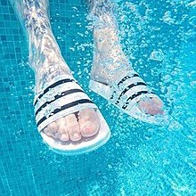 ⚡️潮鞋瘋⚡️ADIDAS ADILETTE AQUA 白/黑 一體成型 防水拖鞋 情侶款(男)段 F35539